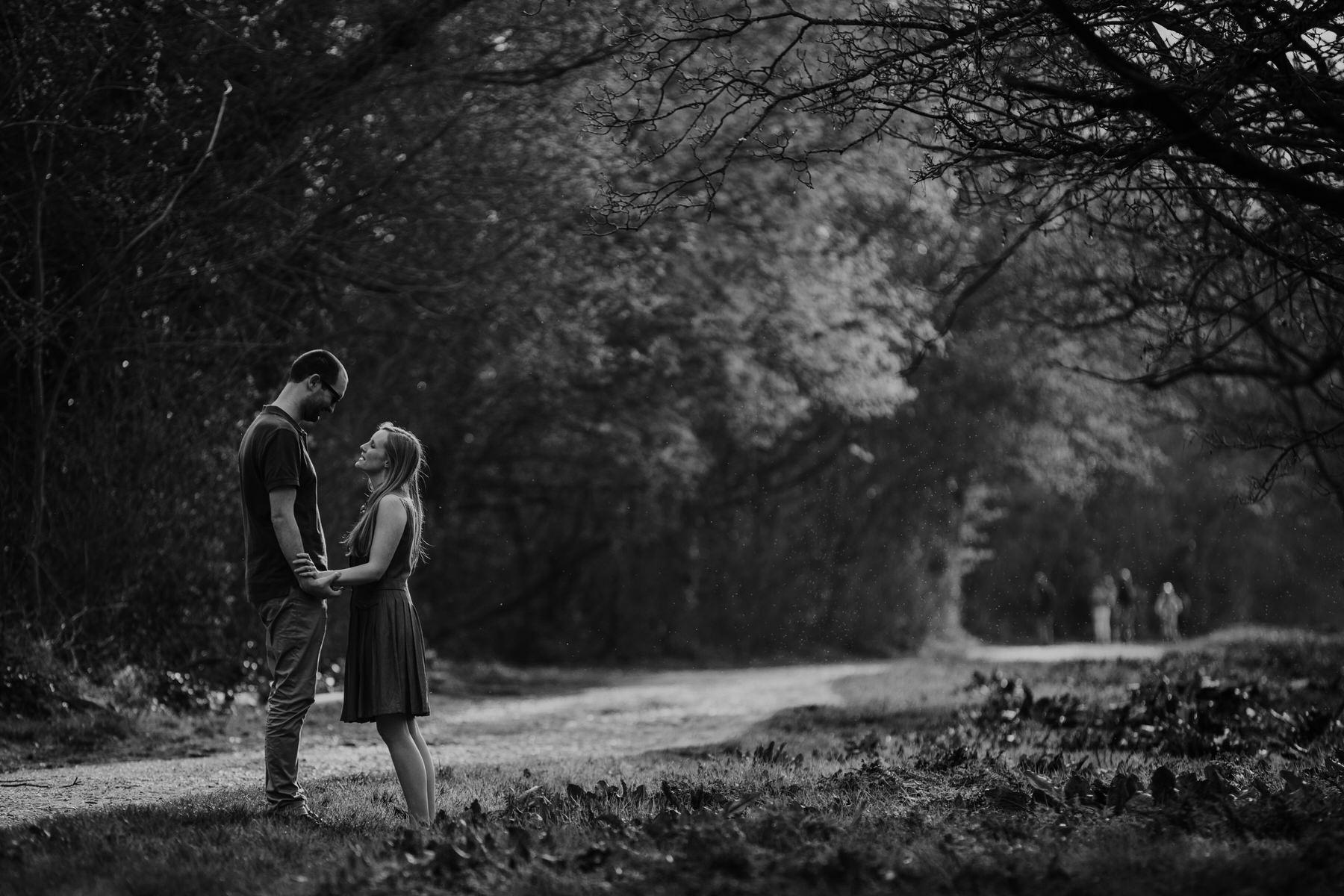 42-BW Richmond riverside couple engagement photo.jpg