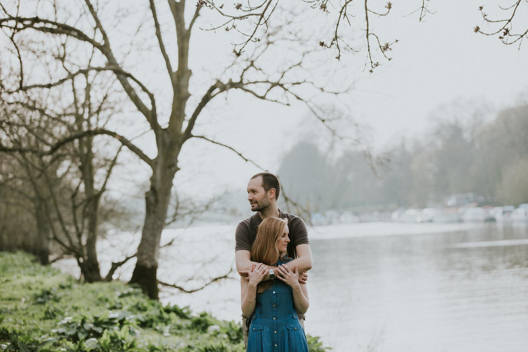50-romantic unposed pre-wedding photography Thames.jpg