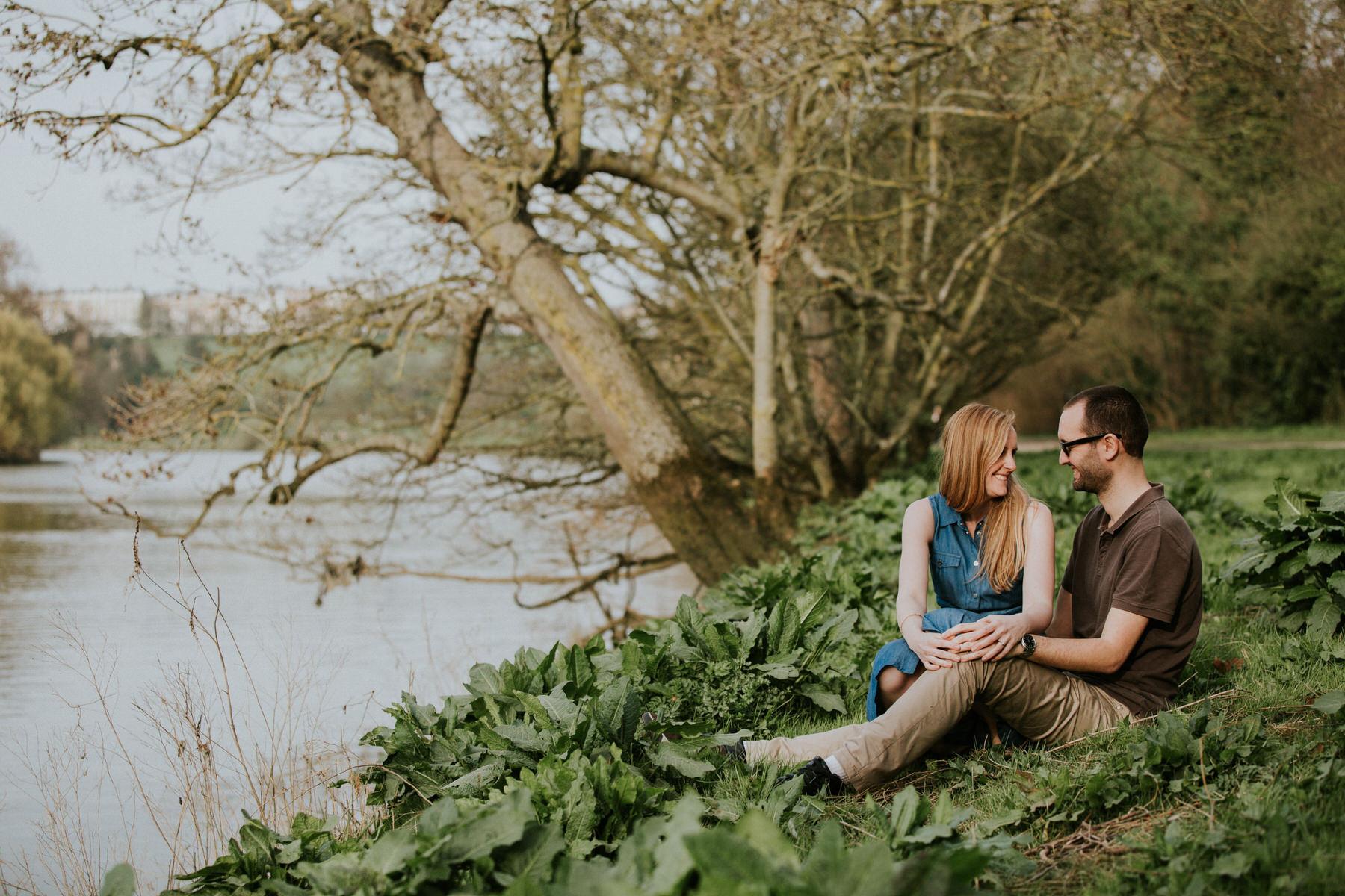 51-romantic Richmond riverside couple shoot.jpg