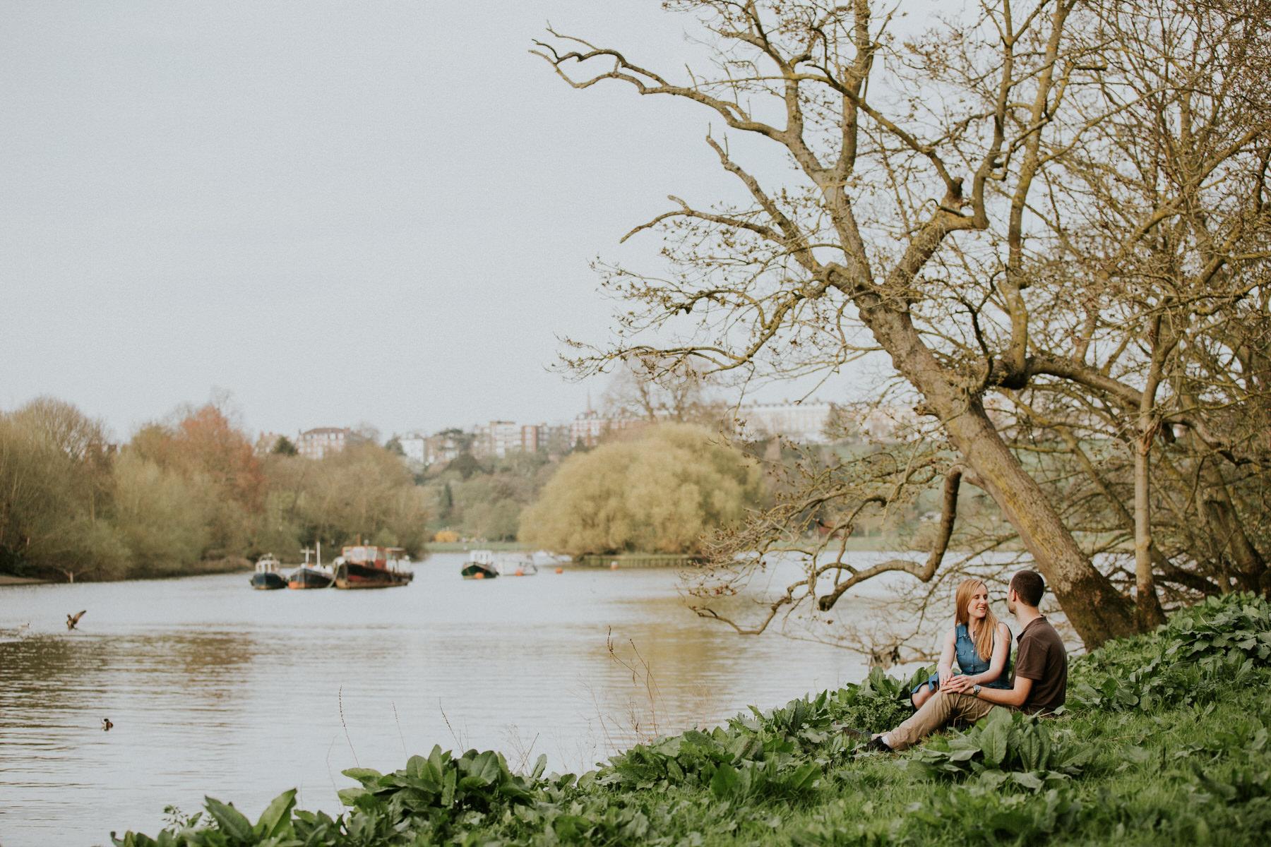 53-Turner inspired romantic pre-wedding photography Thames.jpg