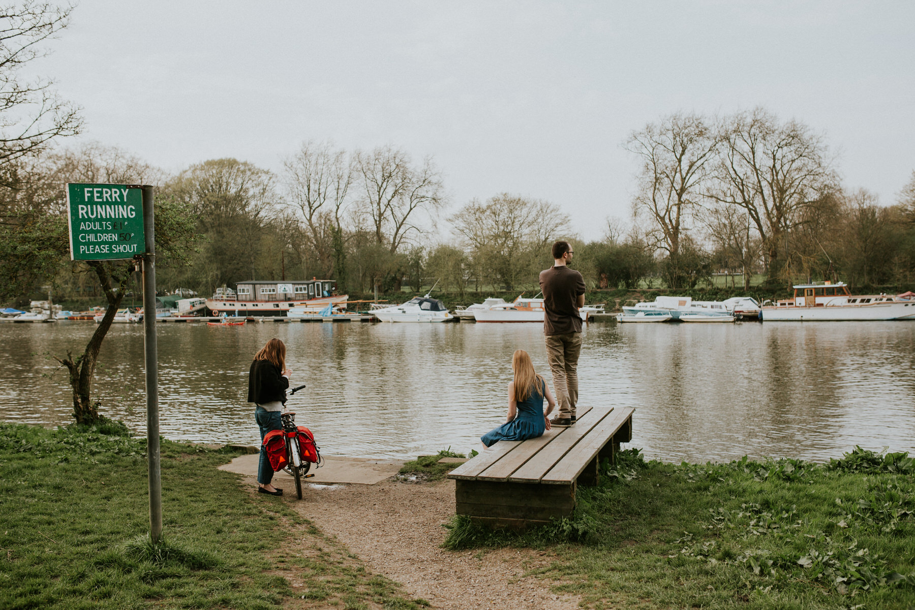 59-couple looking for Thames ferry Richmond.jpg
