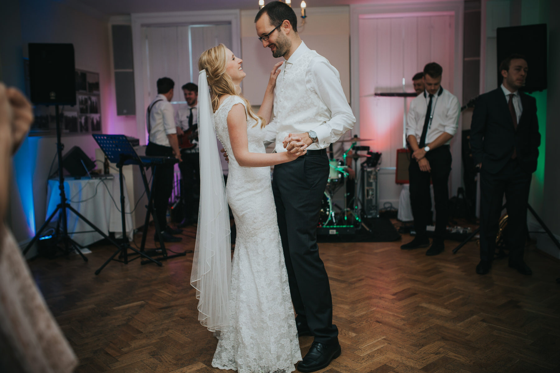 412-Pembroke Lodge wedding first dance photographer.jpg