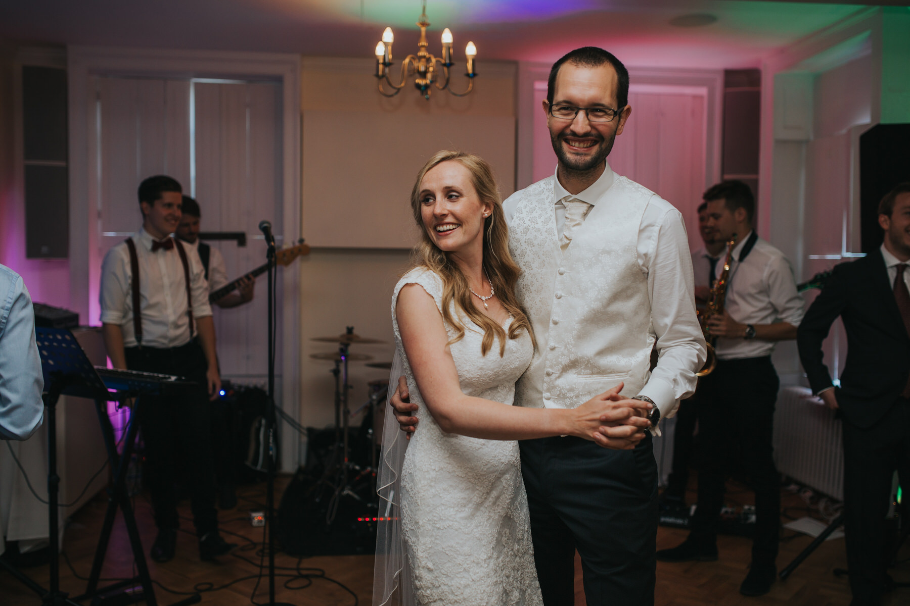420-Pembroke Lodge wedding first dance photographer.jpg