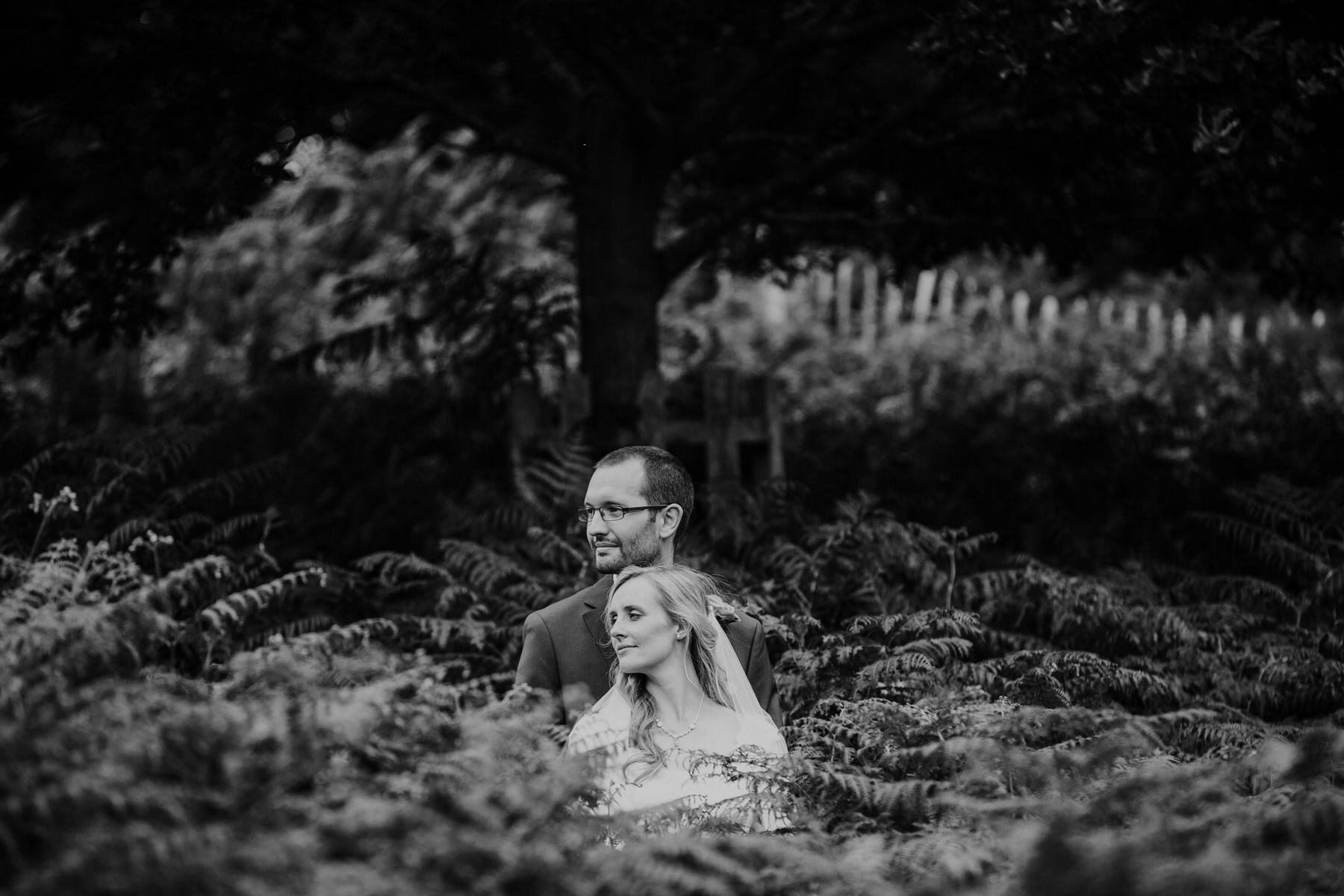 249-bride groom couple portraits Pembroke Lodge.jpg