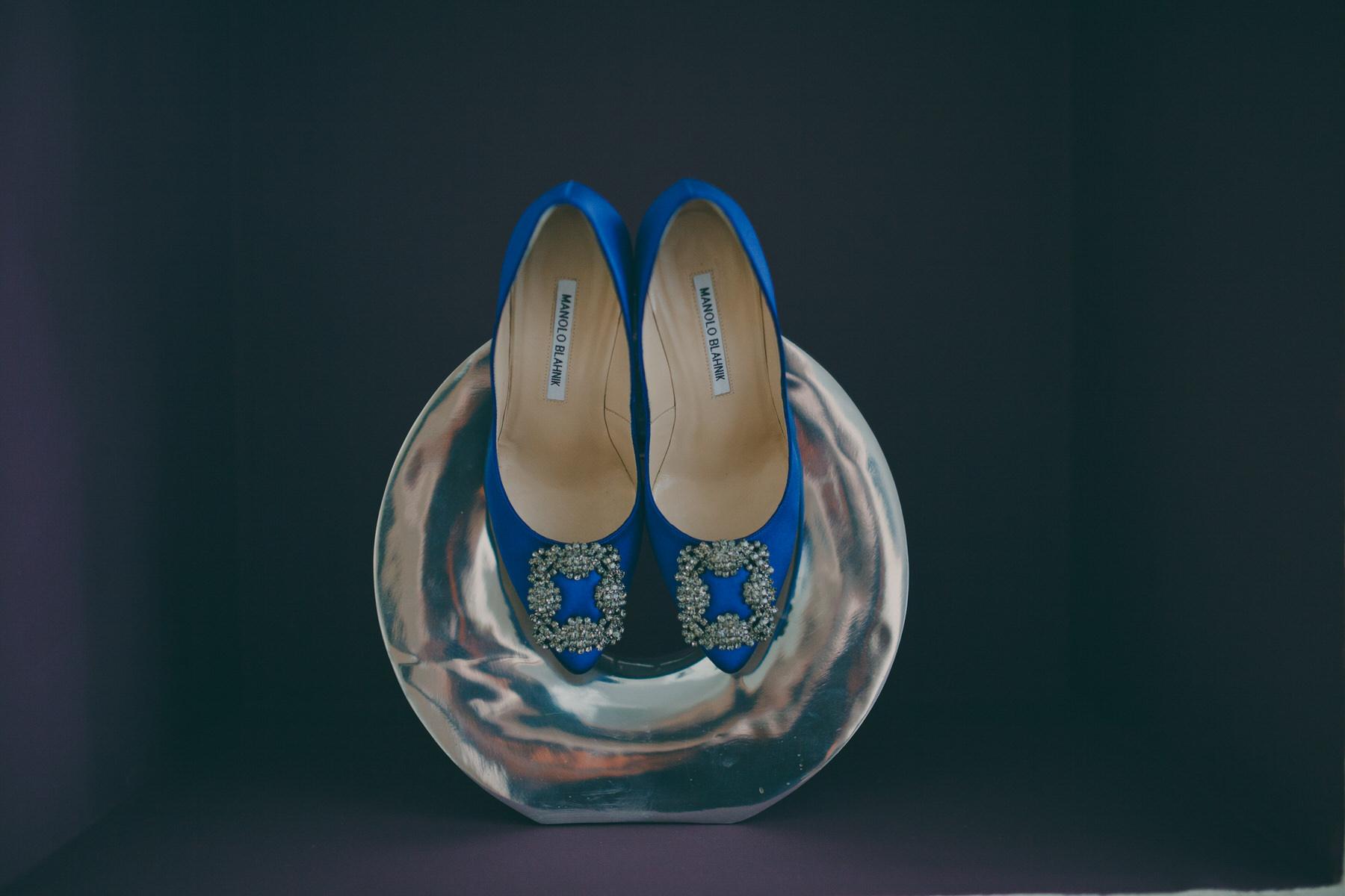 25 blue Manolo Blahnik wedding shoes silver sculpture.jpg