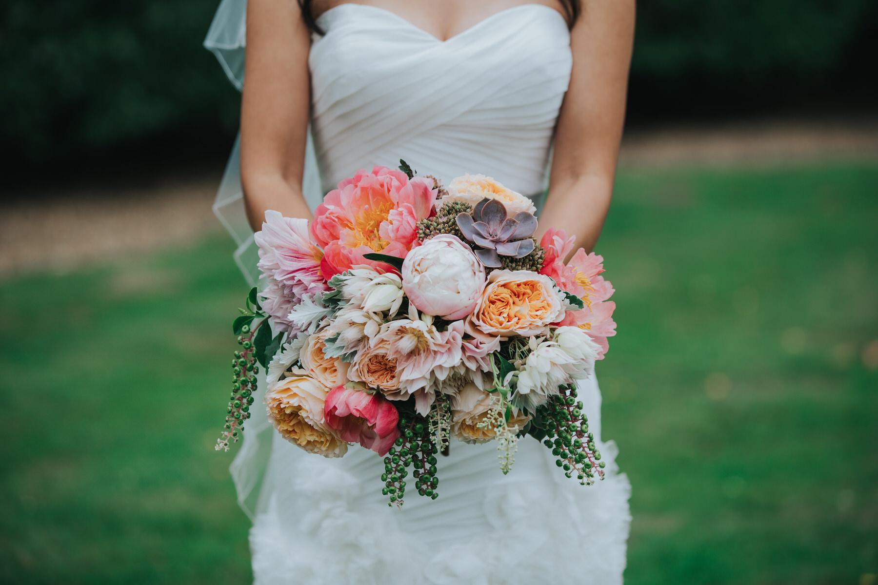 342 bride beautful massive peonie succulent bouquet.jpg