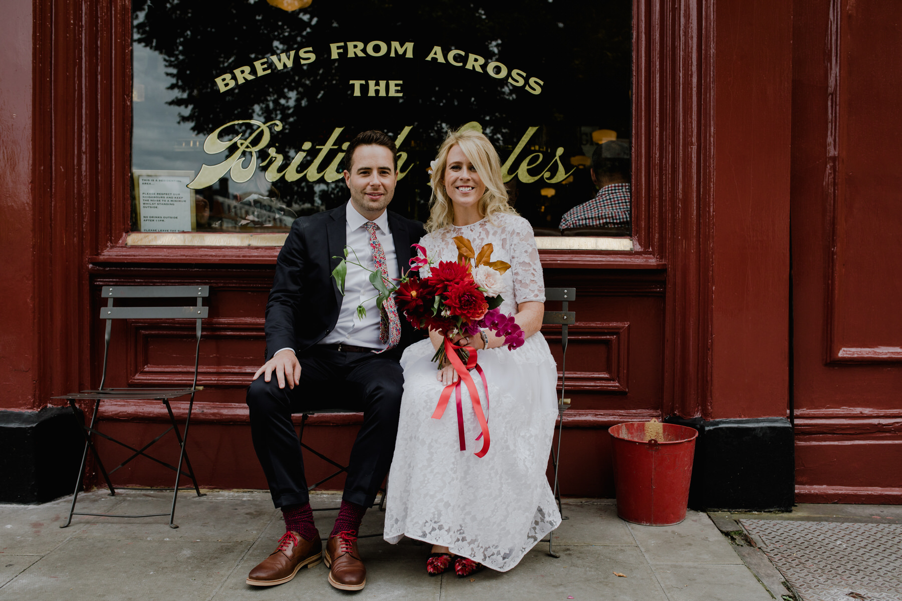 London wedding portrait outside pub.jpg