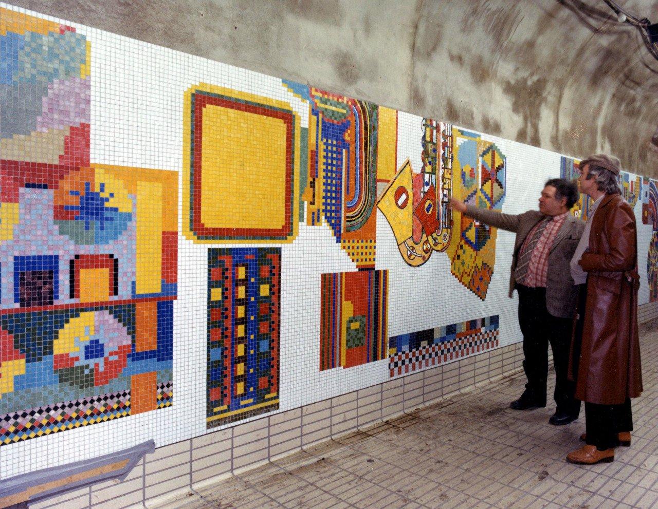 Eduardo with TCR Mural%2c 1986 (1).jpg