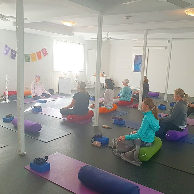 First day of the beginners Yoga course done ✔  Today we covered an intro to ancient yoga philosophy and how we can practice this on and off the mat, anatomy and skeletal variations, yogic breathing, seated postures and meditation.  Beautiful group, lots of smiles and good times! Thank you all for giving yourself the time and honoring your mind, body and spirit to explore this path of love and light.  If you would like to join Saturdays class at 9am let me know and I would love to have you! From my heart to yours, namaste 🙏🏼🤗🕉⚘✌🤸‍♀️ Bree Naomee