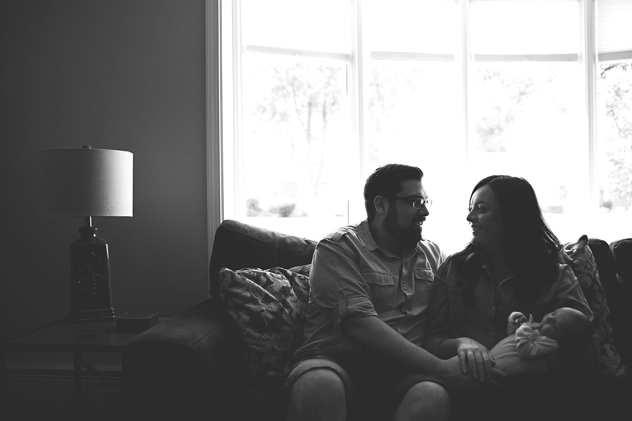 karra lynn photography - newborn photography - parents smiling