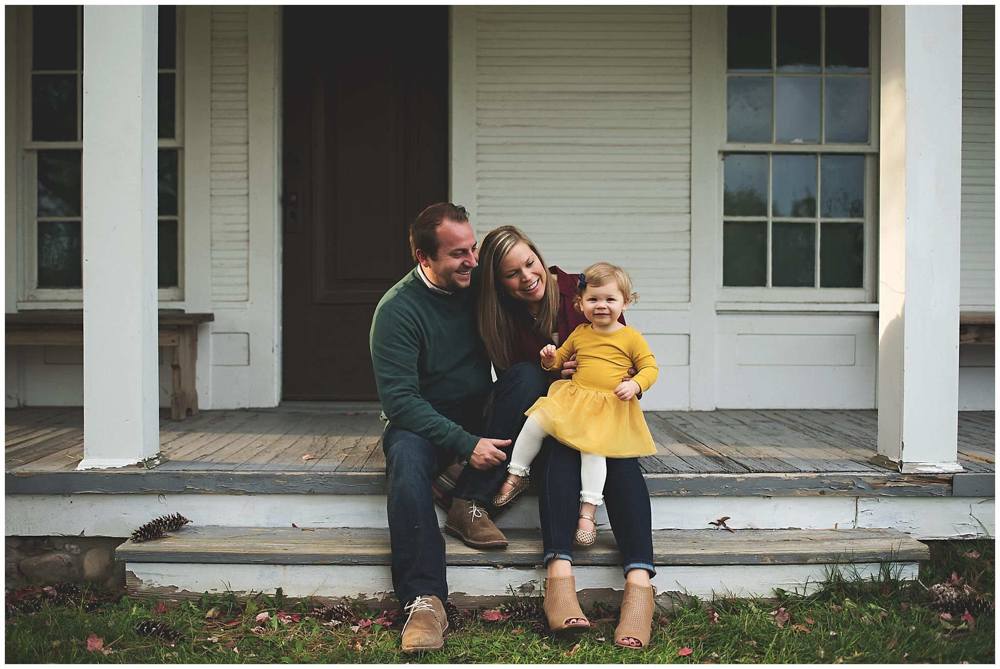 northville lifestyle family photographer - family on porch