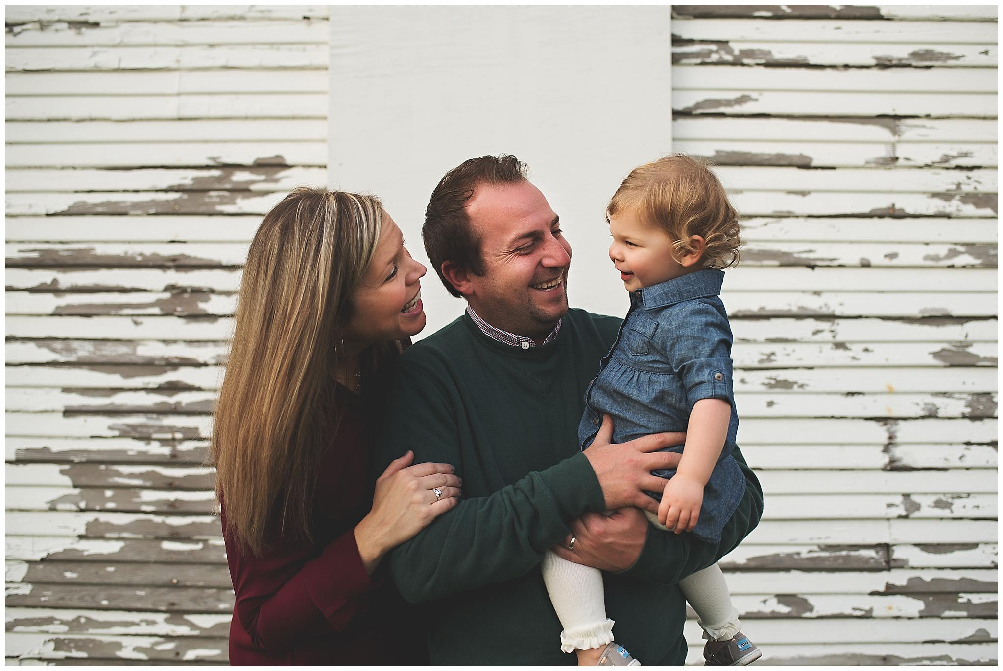 northville lifestyle family photographer - family laughing