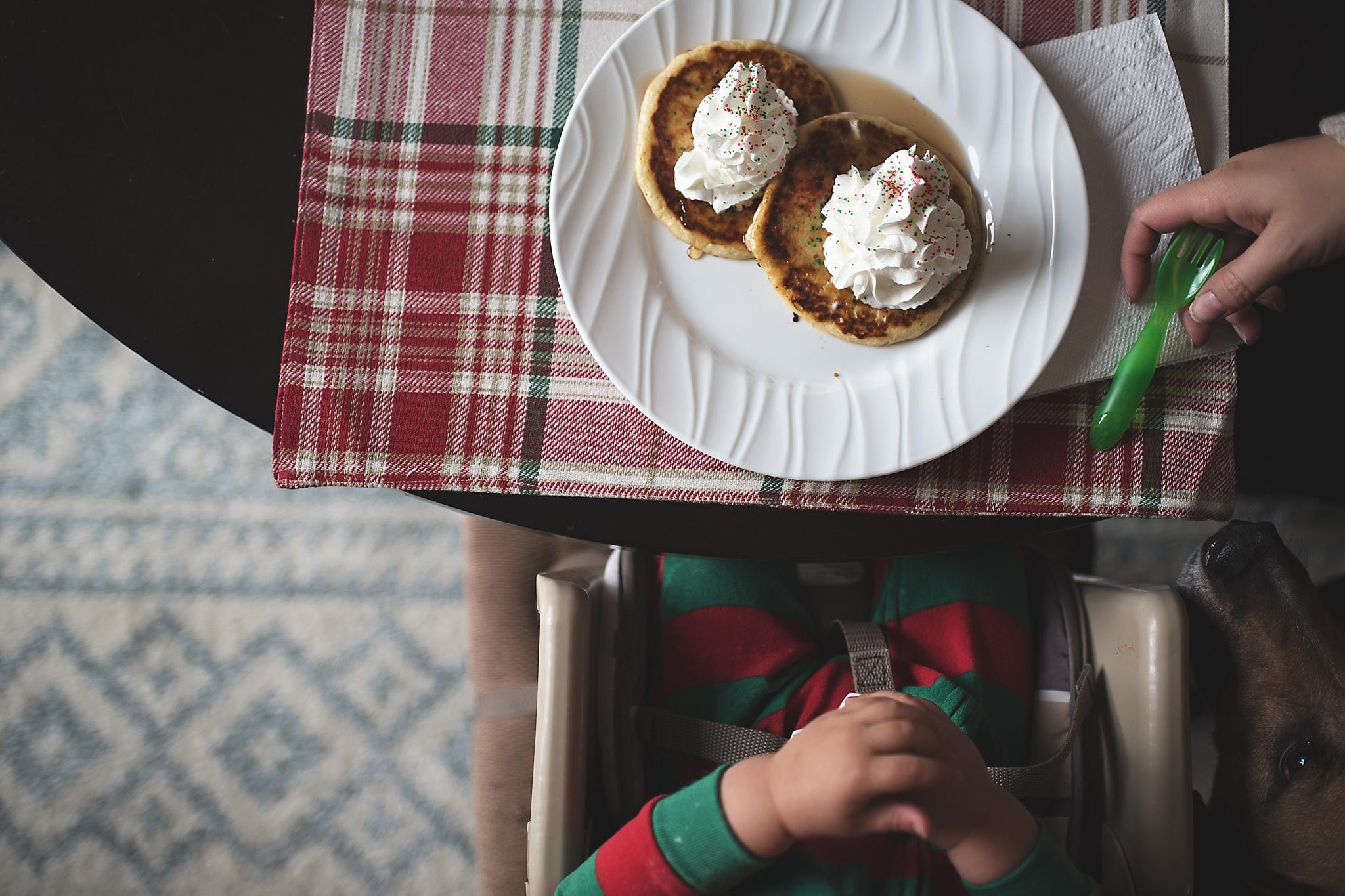 at home lifestyle photography michigan - pancakes