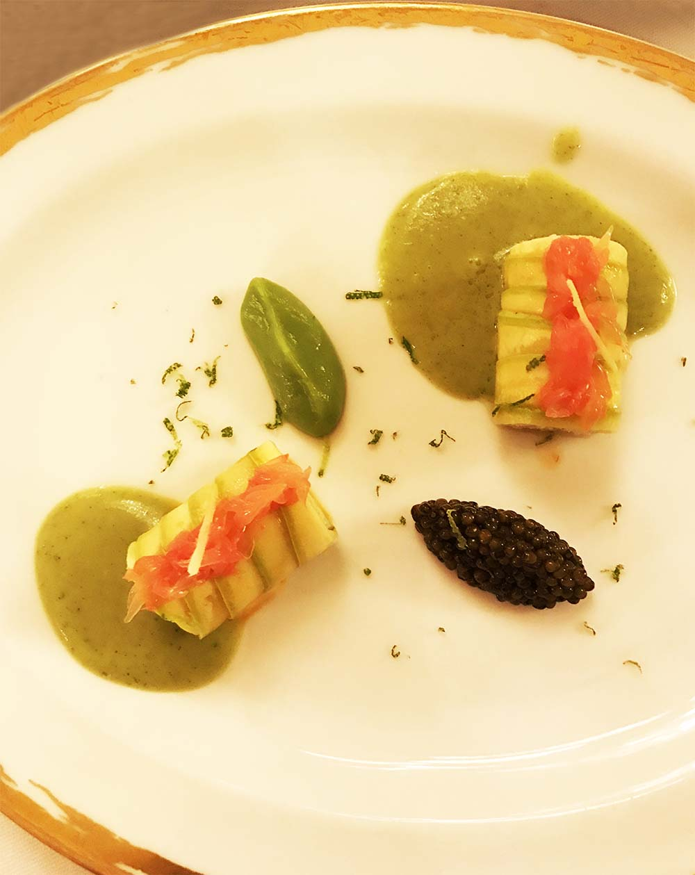 The seafood course at Le Meurice; crab and caviar,with a lovely sorrel sauce.