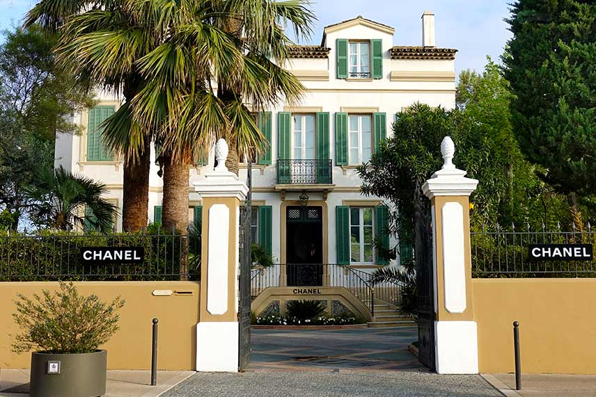 The very glamorous Chanel store in Saint-Tropez.