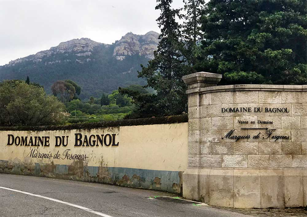 We also stopped here at  Domaine du Bagnol  for one more delicious wine tasting.