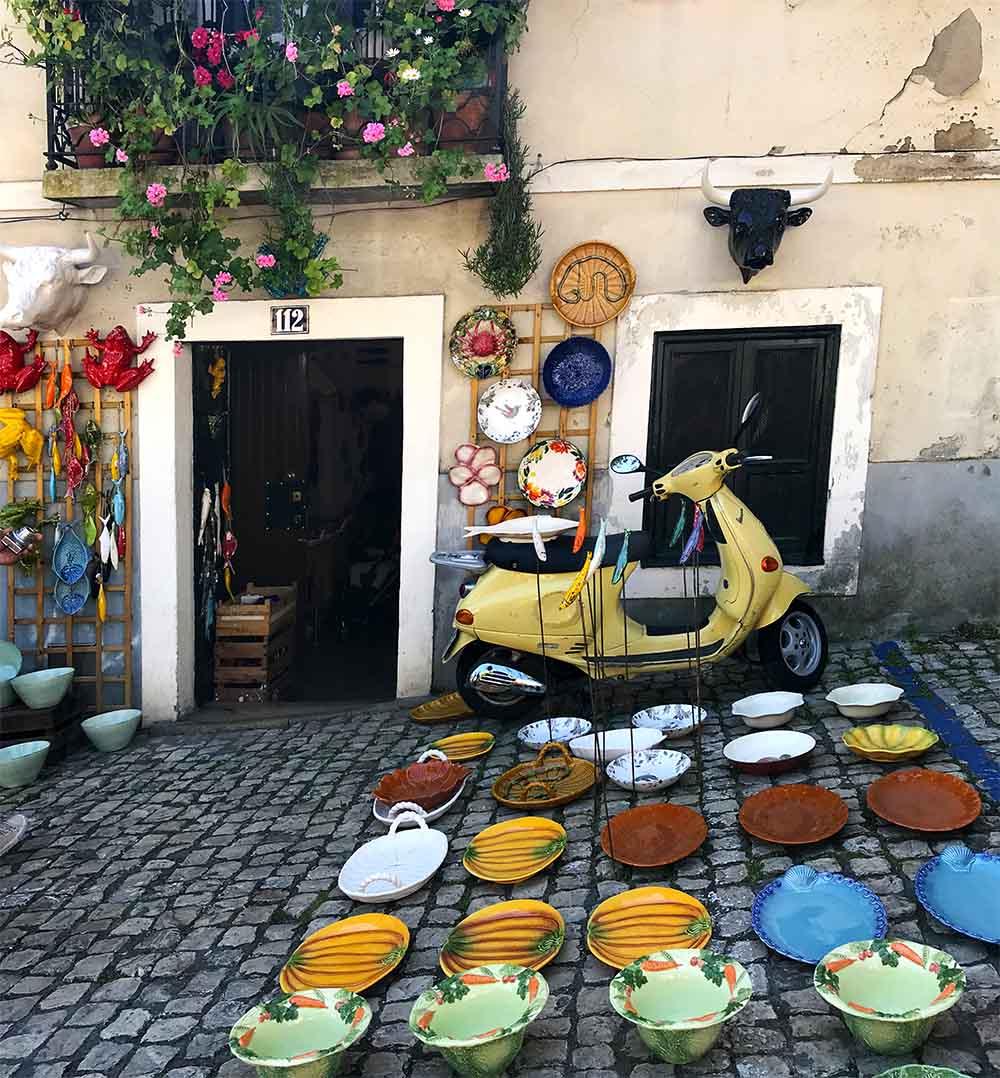A quintessential Portuguese scene at the Feira Da Ladra market.