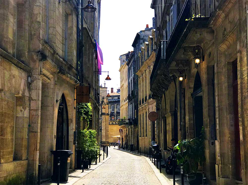 The streets of Bordeaux.