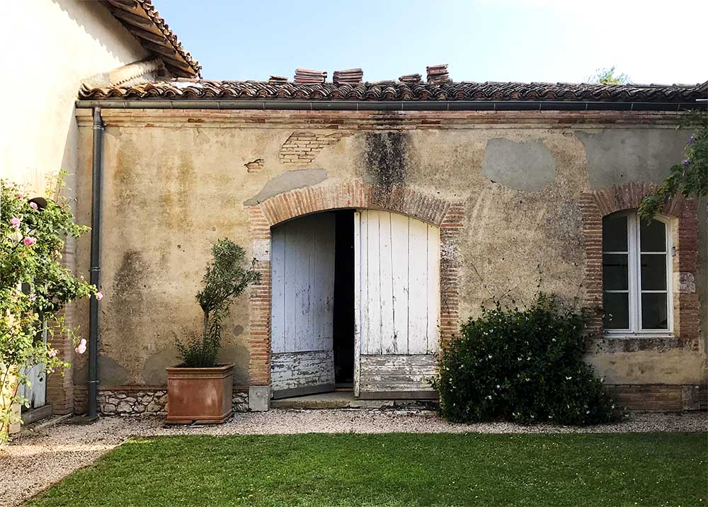 One of the chateau's original archways that we're using as the basis for our proposed new doors.