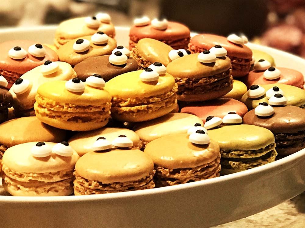I love these 'monster' macarons, with their crazy sugar eyes.