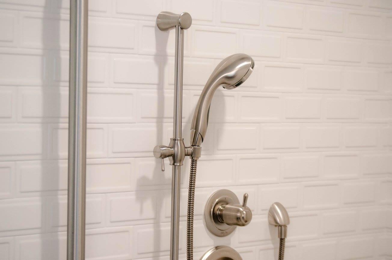 hawk bathroom9.jpg