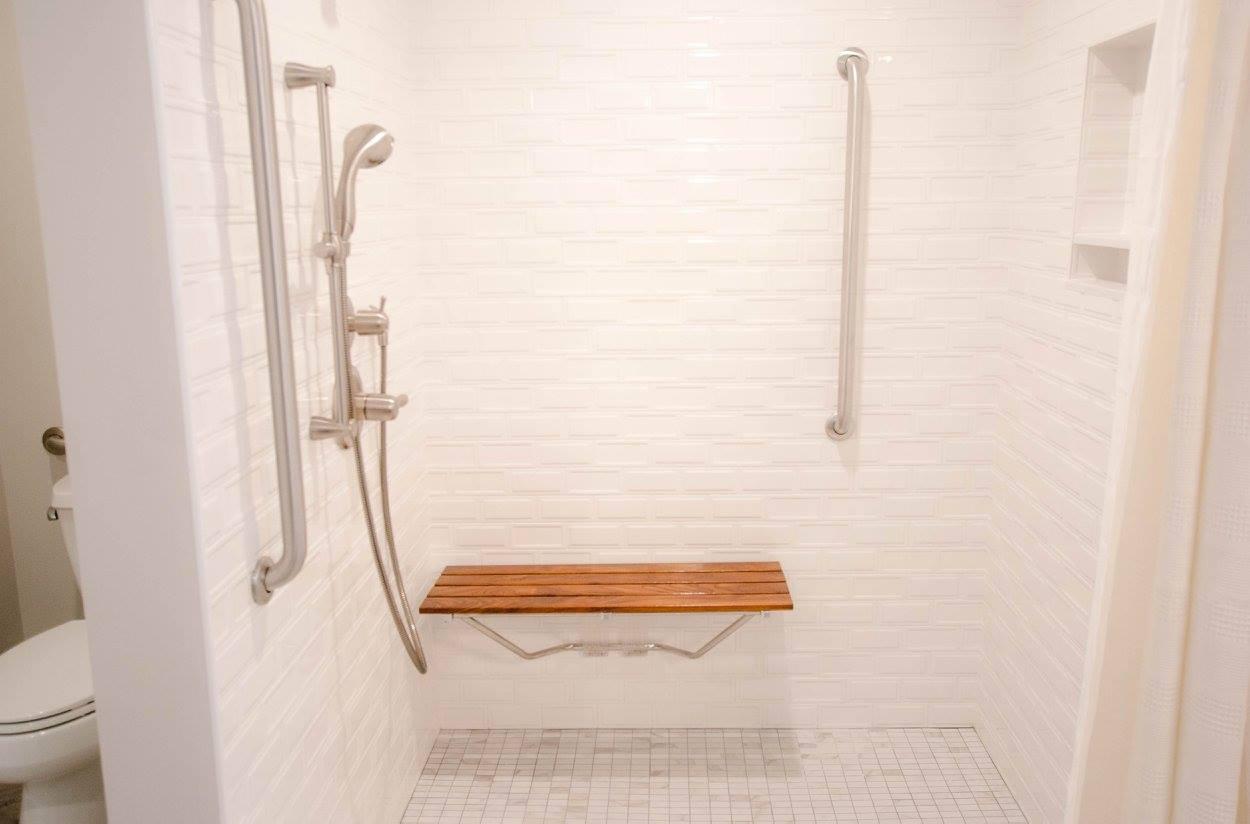 hawk bathroom6.jpg