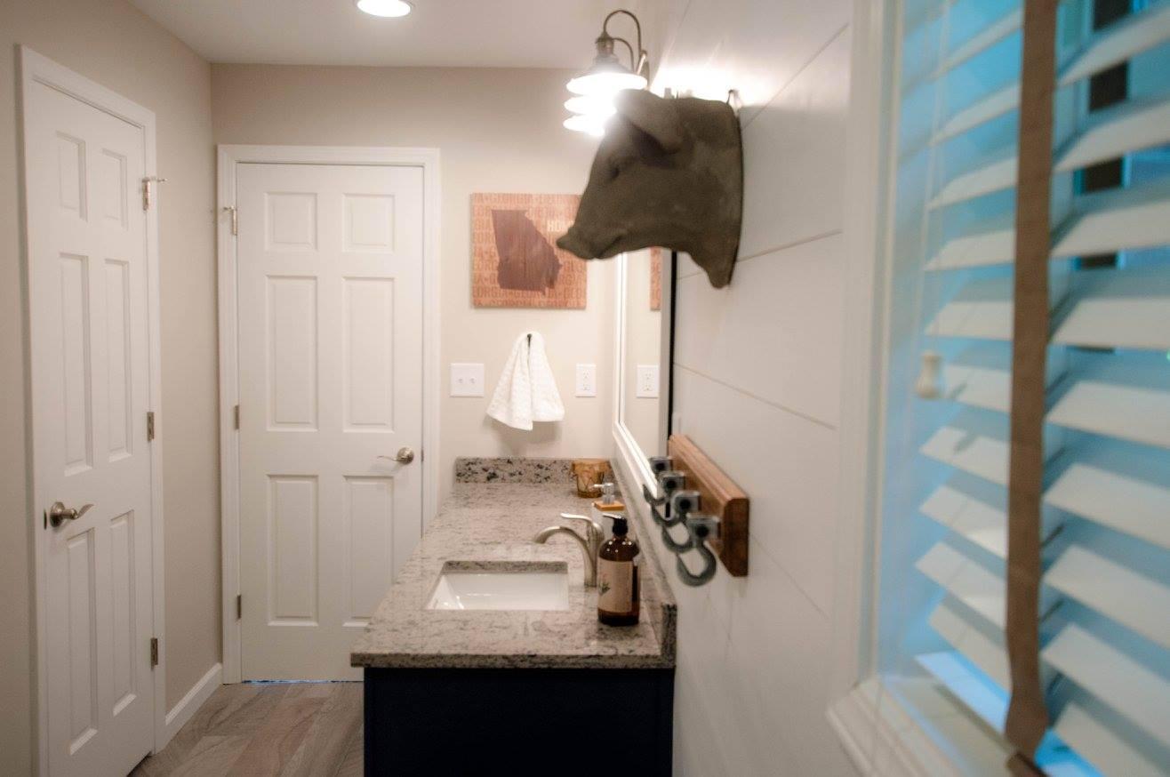 hawk bathroom2.jpg