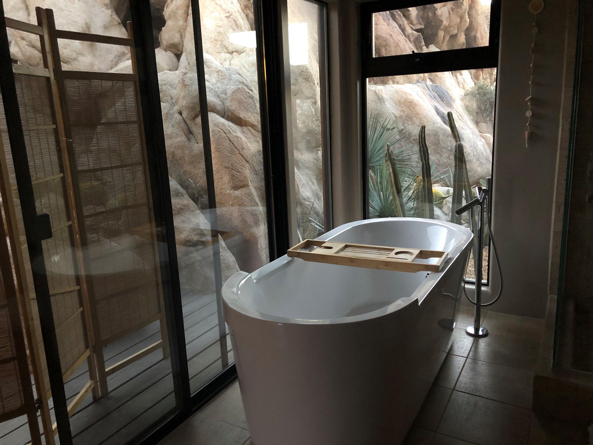 bathtubjt.jpg