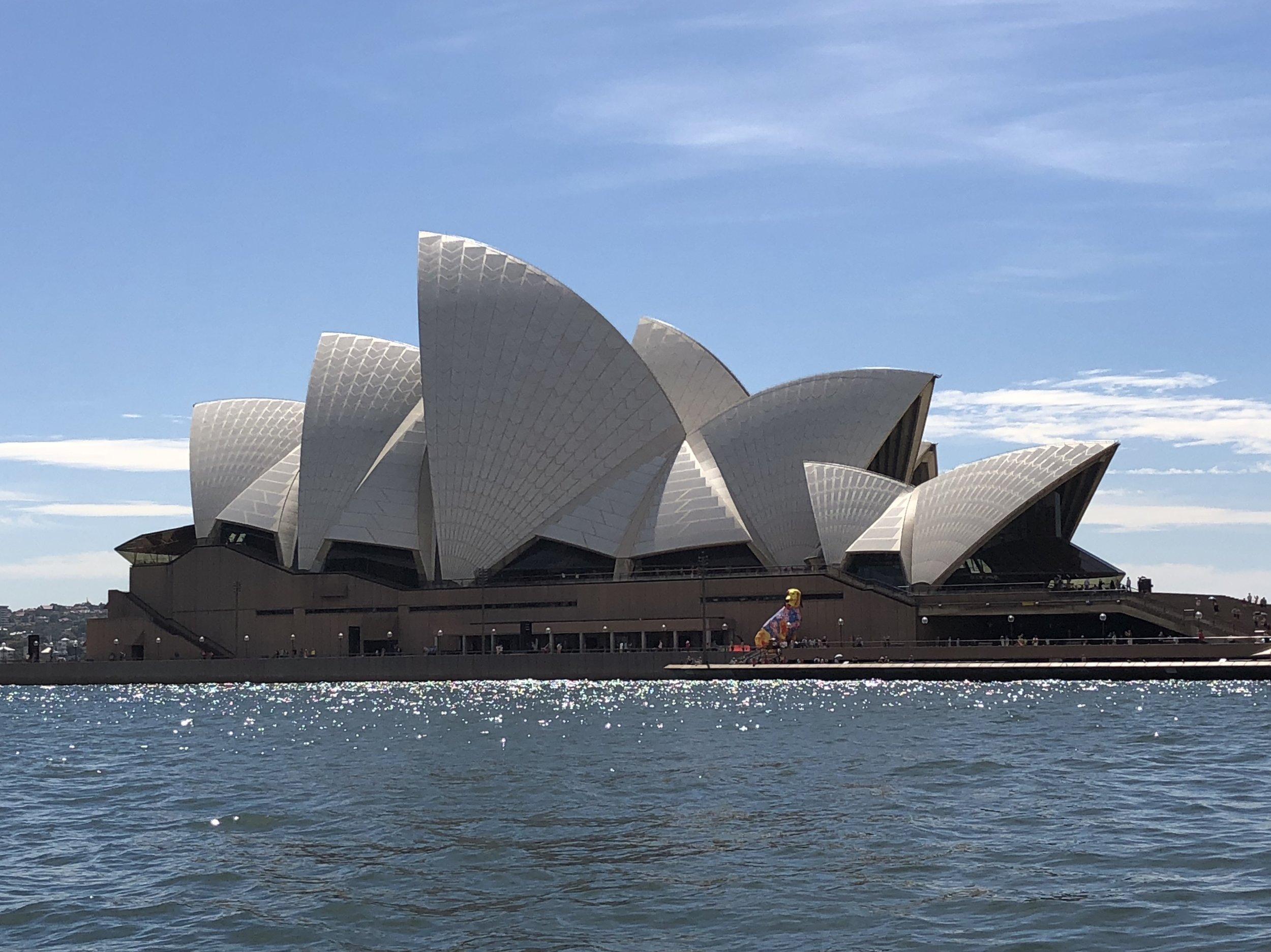 From Sydney with L O V E , Qantas