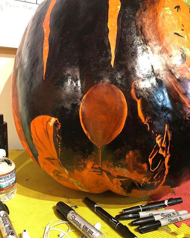 Today's 🎃🎃 . . . . . . . #pumpkin #pumpkins #jackolantern #jackolanternspectacular #it #aladdin #genie #jinn #balloon #art #markers #sharpie