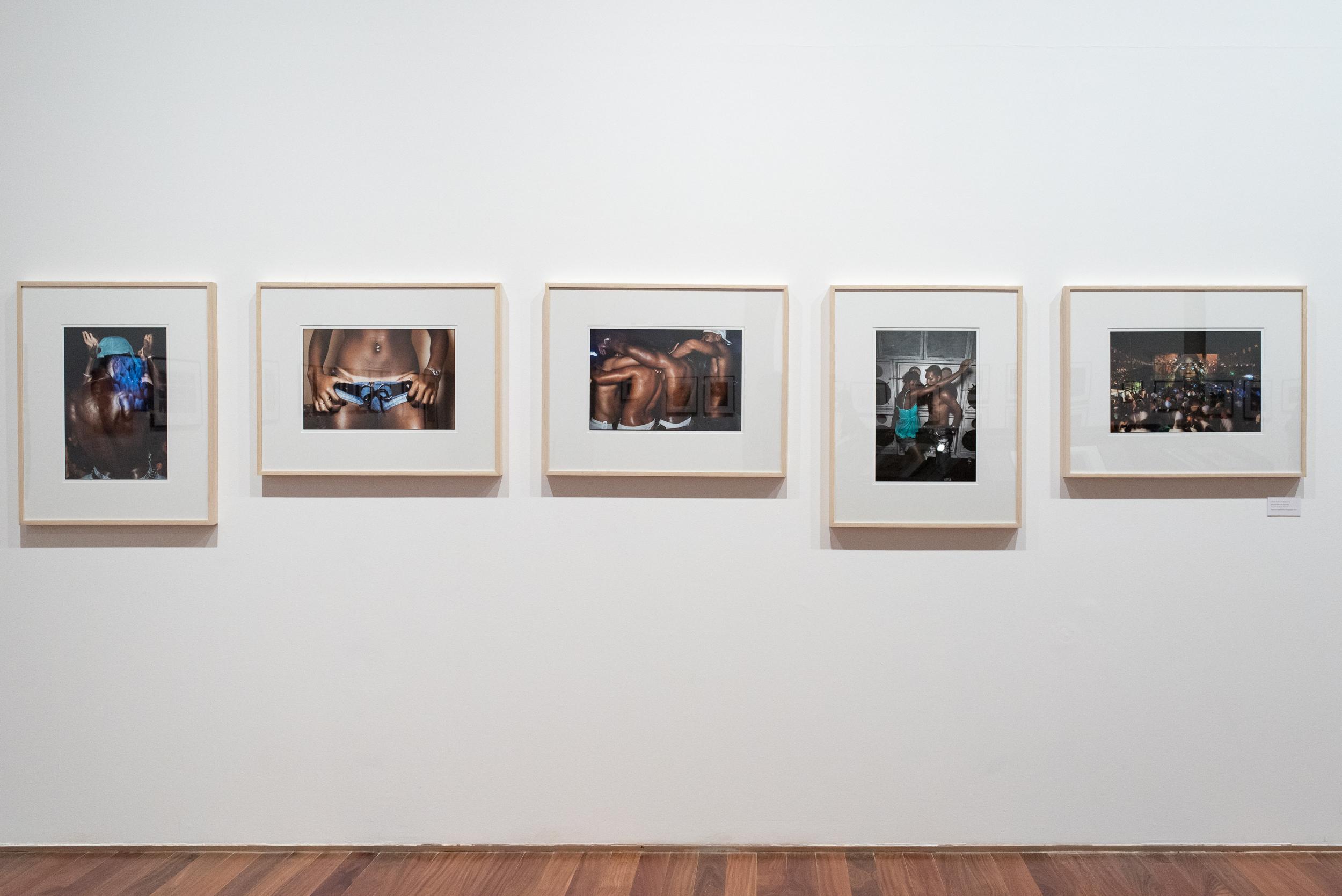 "Rio - Uma Paixão Francesa - ""Rio - a French Passion"" collective exhibit at the Museum of Art of Rio de Janeiro (MAR) - participation of Vincent Rosenblatt with 5 images from the ""Rio Baile Funk"" serie."