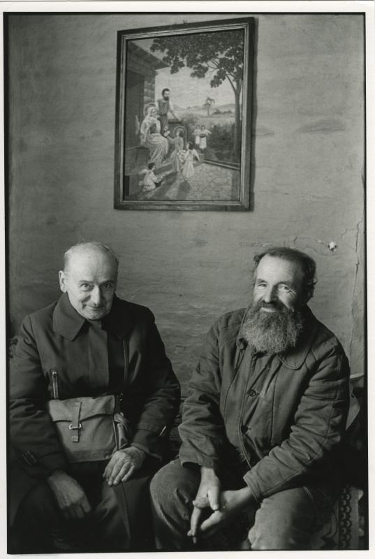 The Painter and his friend. Un village en Pologne. / Wies Ukradzione Pamieci