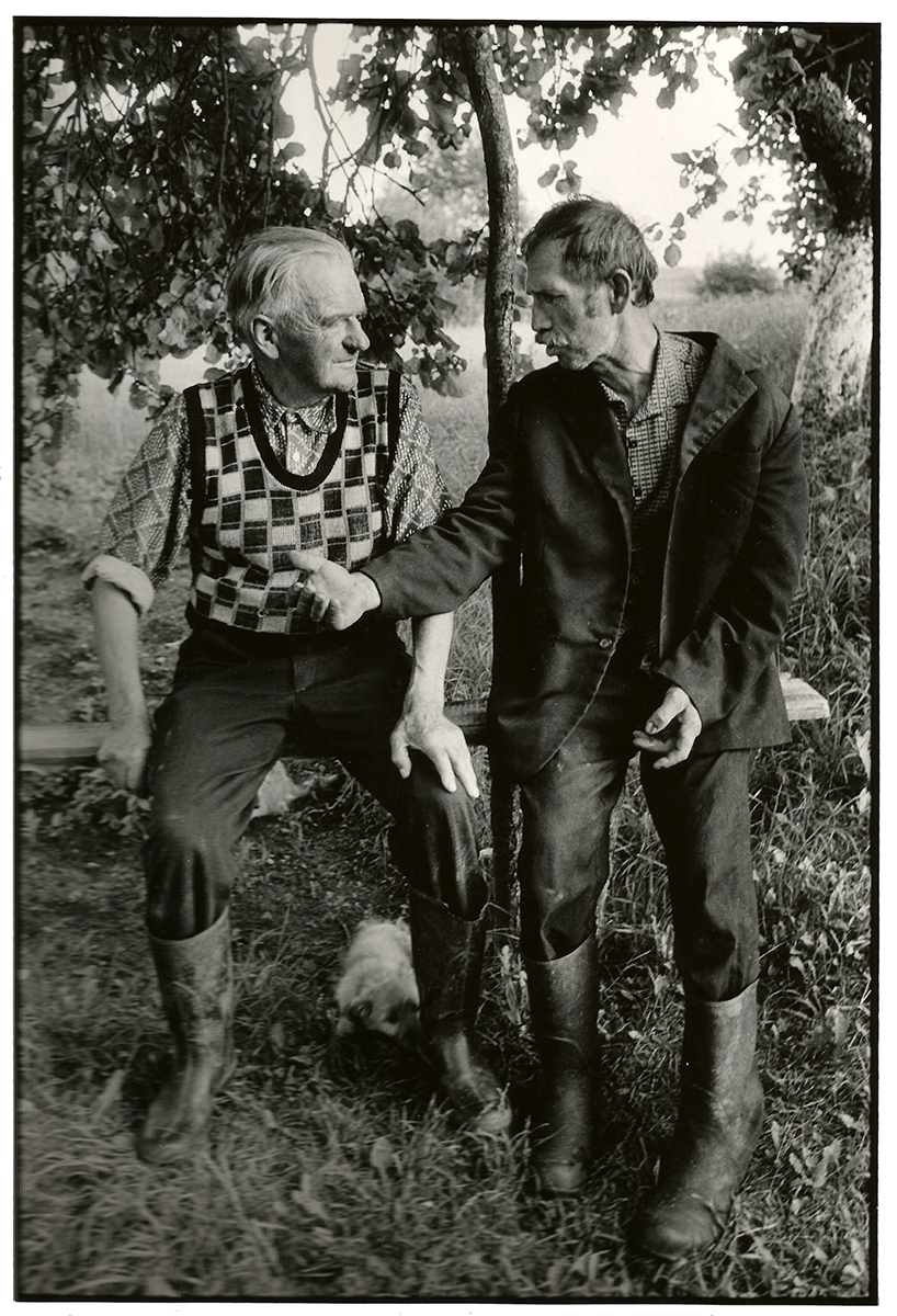 Jan Krussznis (Pole) & Jan Walokanis (Lithanian), near Sejny, 1993. Un village en Pologne...