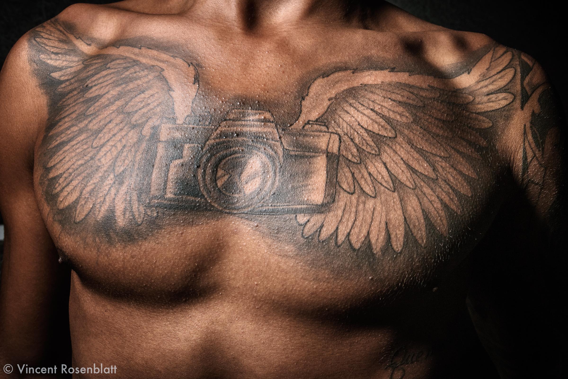 Camera Wings tattoo, Yolo Love Party, Bento Ribeiro, Rio de Janeiro 2018.