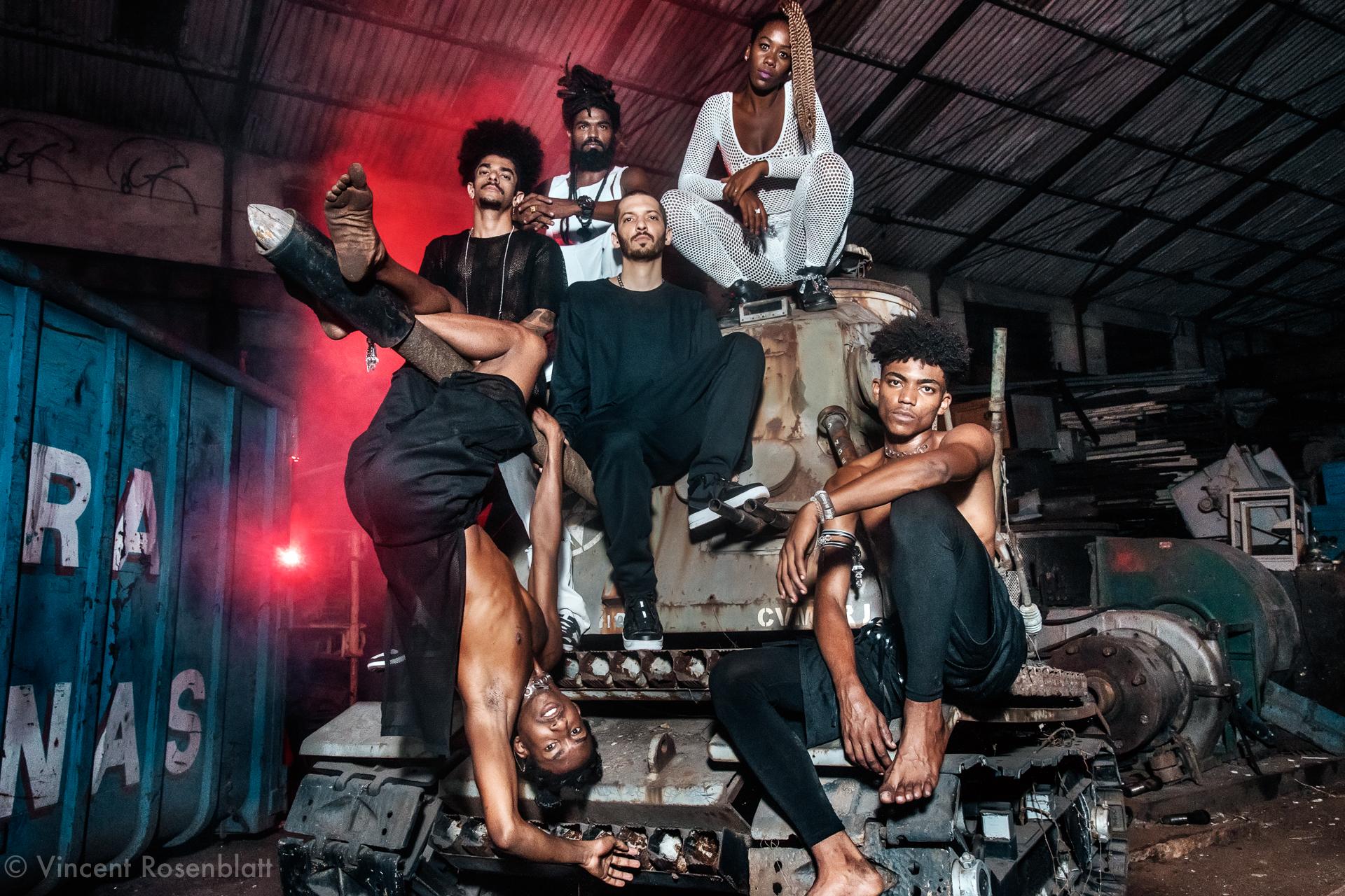Heavy Baile - 2018.DJ Thai - MC Tchelinho - DJ Leo Justi - Dancers : Jonathan Neguebites - Sabrina Ginga & Ronald Sheick.