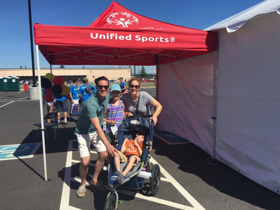 Matt and his family volunteering at the Special Olympics Washington Summer Games 2016 at Joint Base Lewis-McChord.