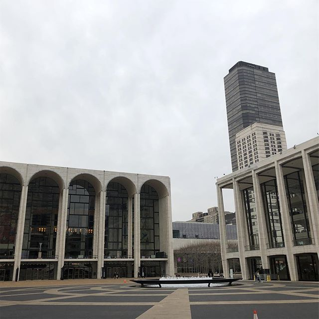 Gloomy and still grand. #lincolncenter #nyplperformingarts #icheckedout2scoresand8books#fullbackpack #fullmind #researchday