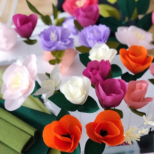 It's Monday and we are working on some #crepepaperflowers for our next photo shoot. What do you guys think so far? 🌸🌺🌼 #monday #paper #flowers ------------ . . . #paigeandwillow #morning #mondaymotivation #stationery #madeincanada #design #illustration #handpainted #greetingcards #madewithlove #mtl #love #pretty #fun #buylocal #montreal #canada #creative #mondaymood