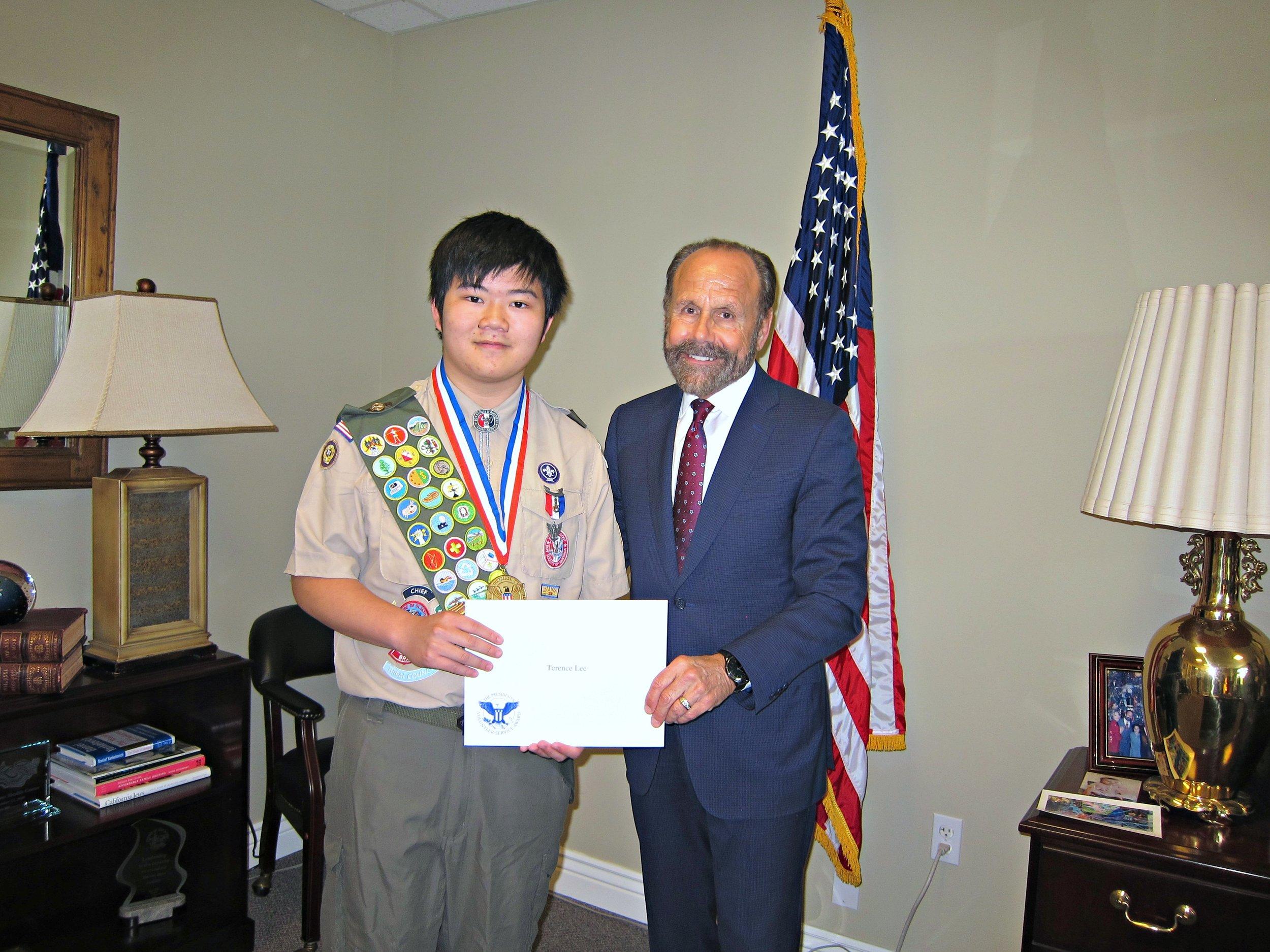 Terence Lee (left), Senator Jerry Hill