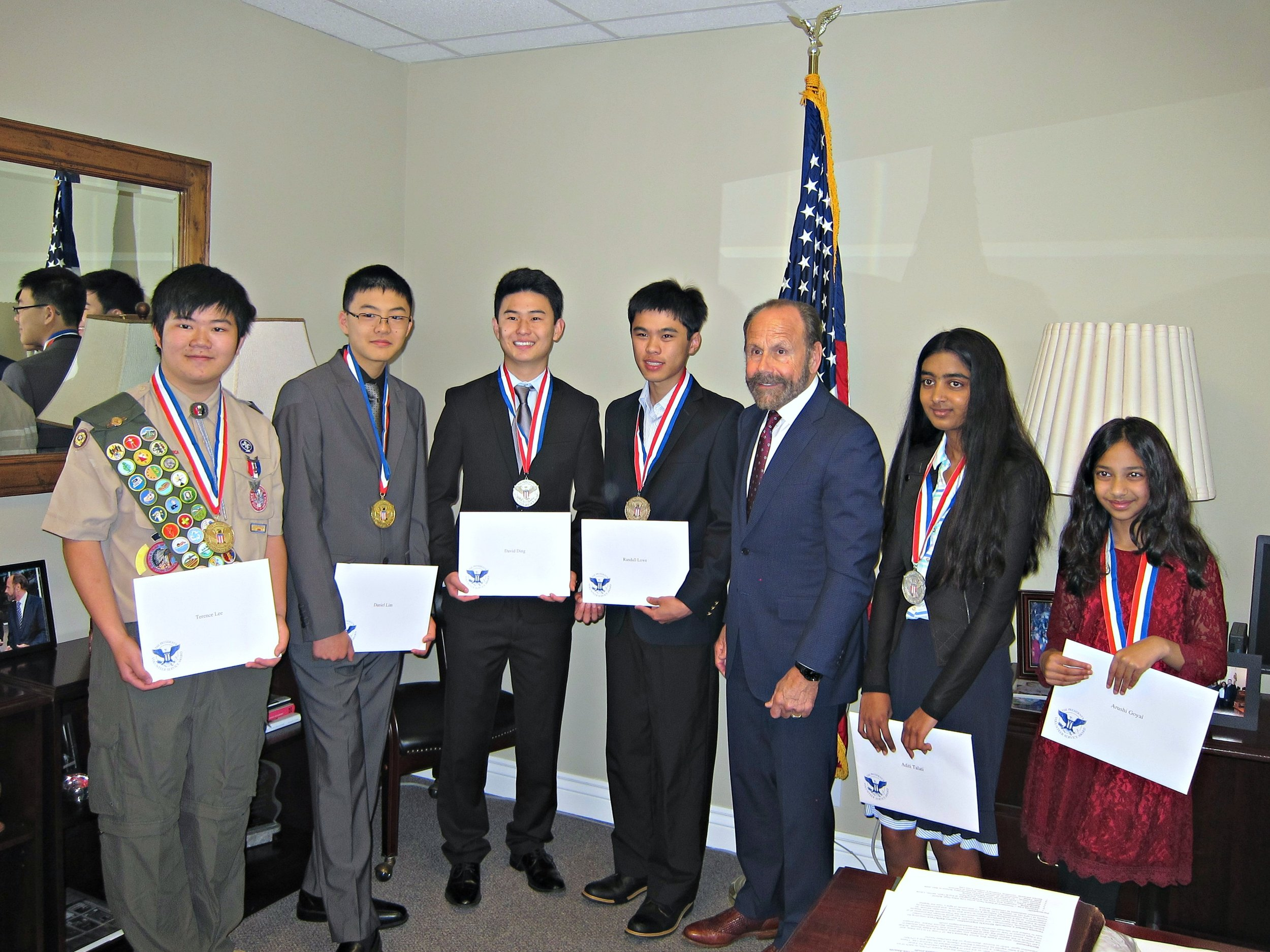 Terence Lee, Daniel Lim, David Ding, Randall Lowe, Senator Jerry Hill, Aditi Talati, Arushi Goyal (left to right)