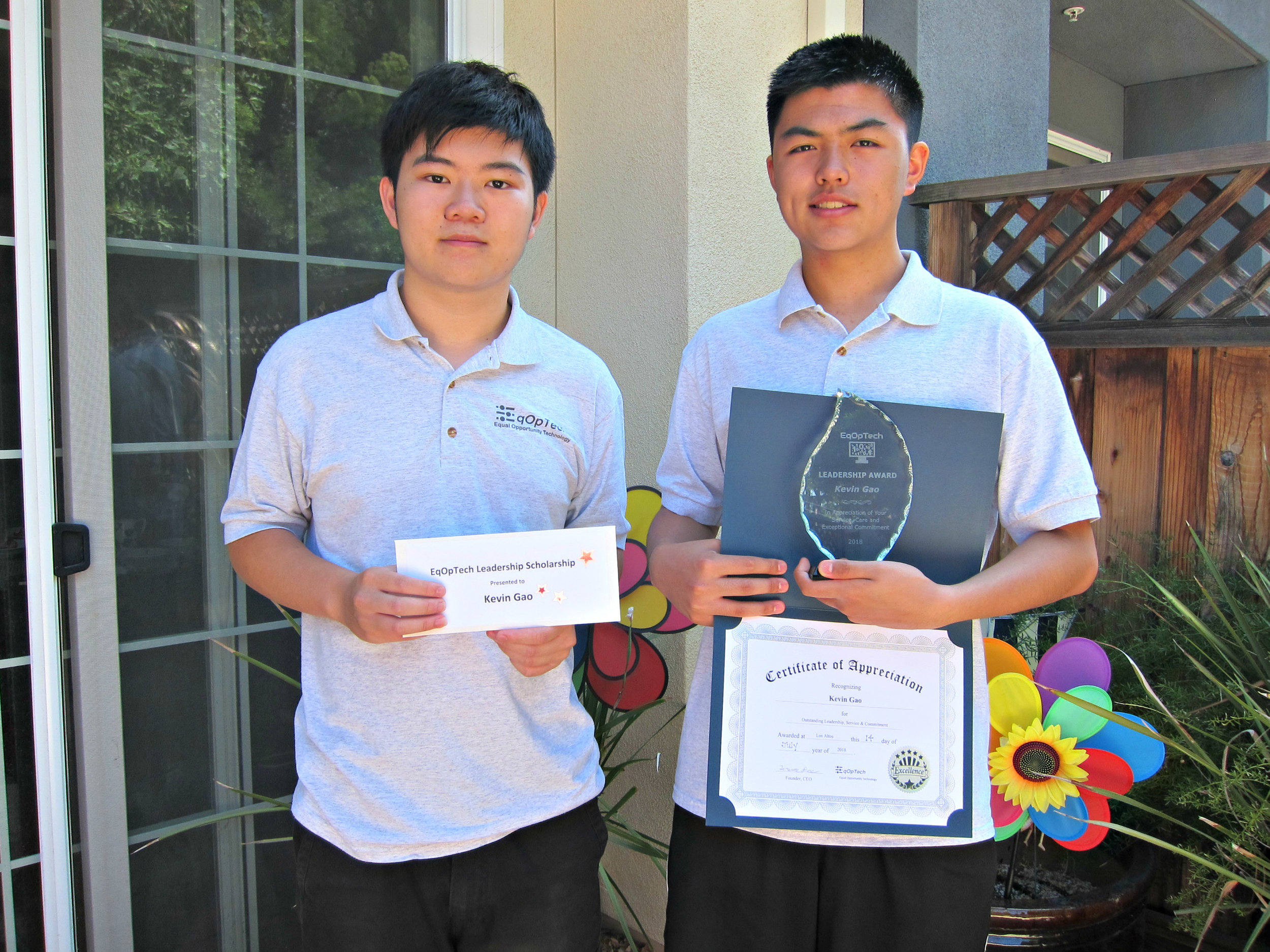 Kevin Gao (right), Terence Lee