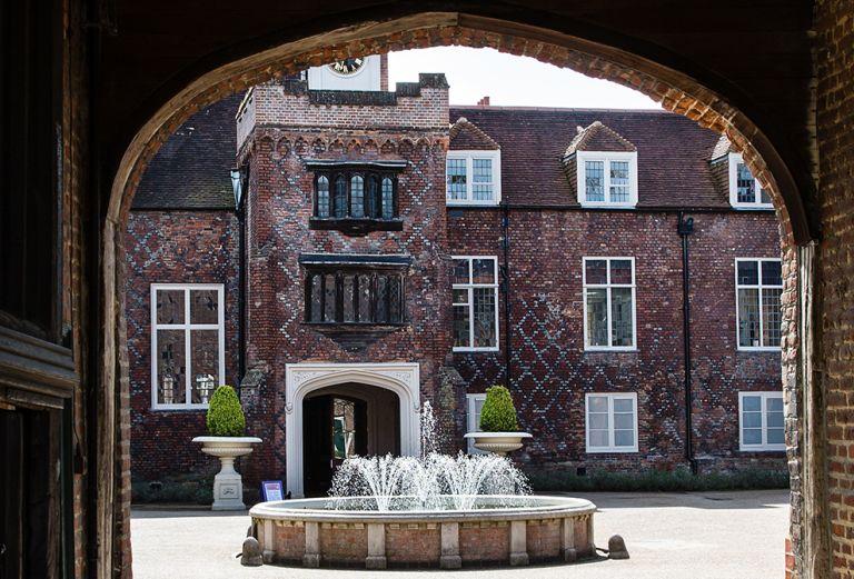 Courtyard-view-of-Fulham-Palace-through-doorway.jpg