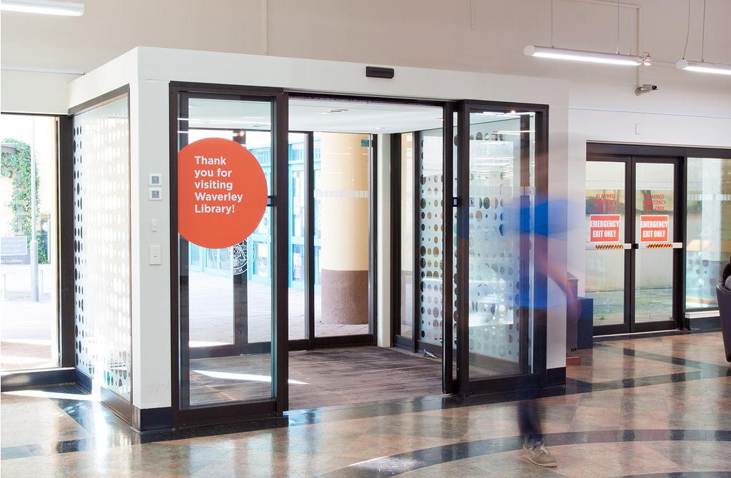 WAV-library foyer dots RDO Deuce.png