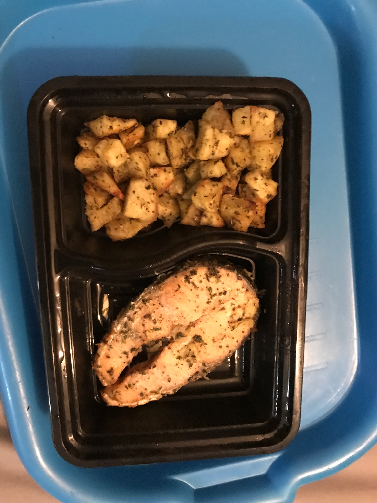 9.31amI eat some salmon and sweet potato left over from last week's meal prep.  -