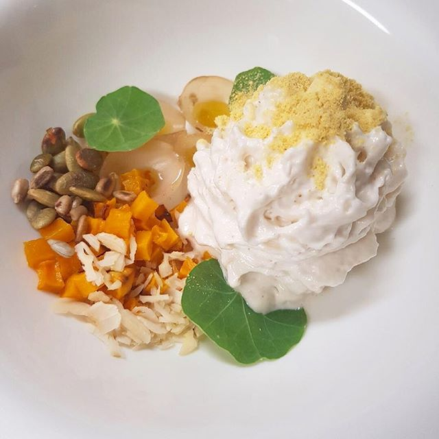 We are ready to begin this year's #countylicious #fall menu this evening! Join us friends, and partake in a three course prix fixe for just 40 Canadian dollars.  Pictured here: Autumn Campfire soup; smoked coconut foam, nasturtiums, sweet potato and pickled pearl onions. The sunchoke Celine is poured table side. #canadian #bistro #wellington #princeedwardcounty #begood