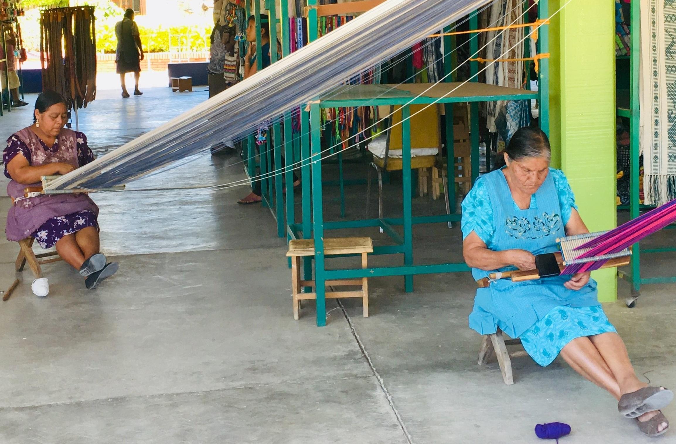 women weavers Oaxaca Mexico
