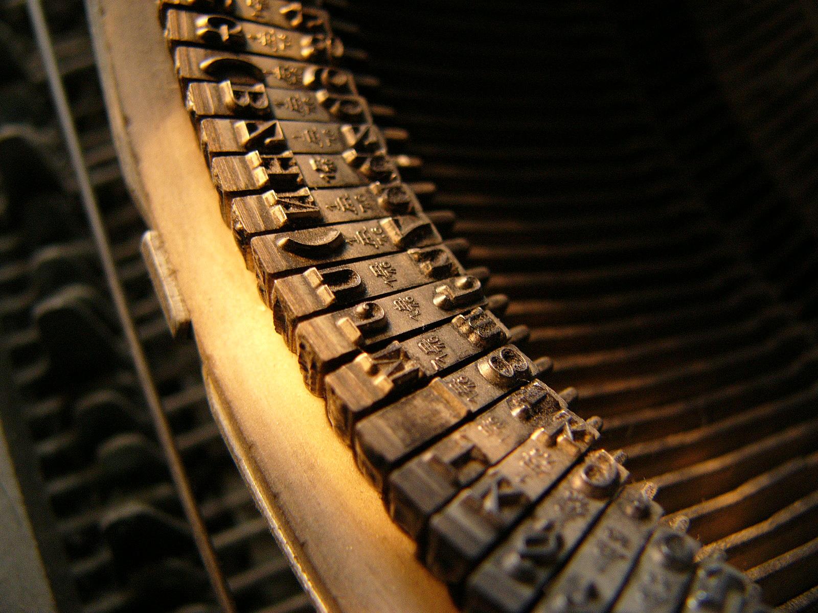 1174527-typewriter-wallpaper.jpg