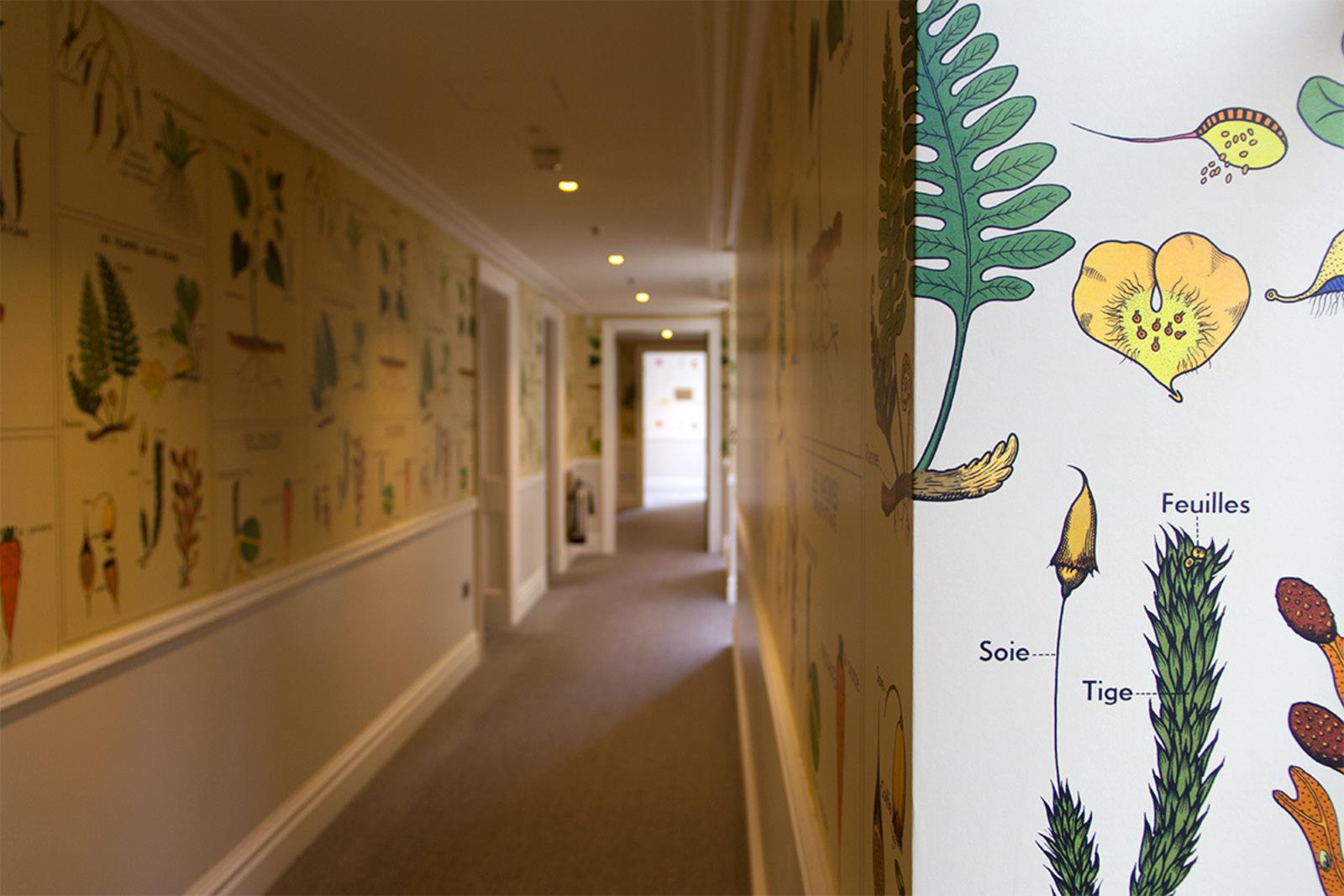 large_ham-yard-hotel-wallpaper-hallway.jpg