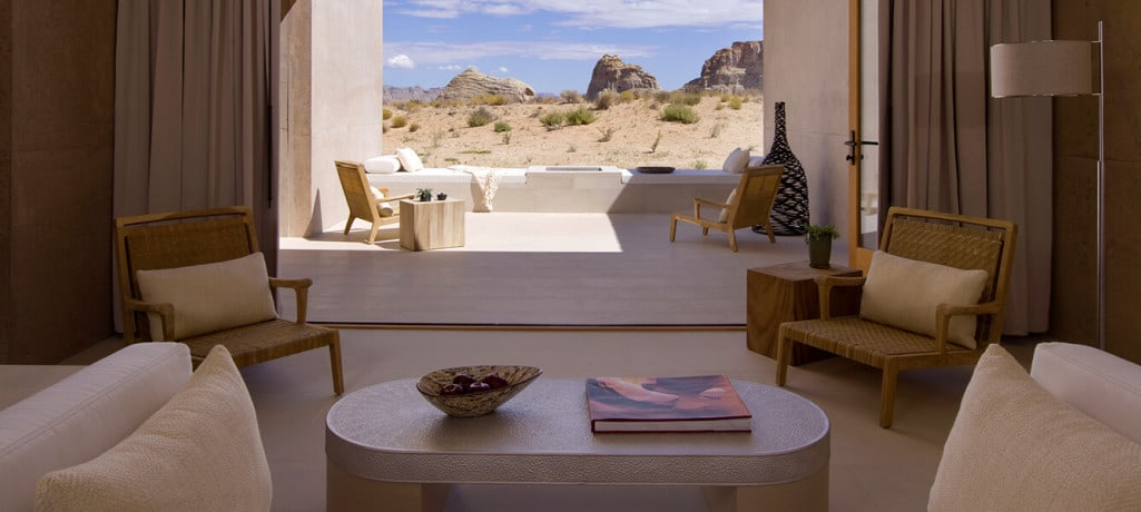 amangiri-suite-bedroom-1400x600_0.jpg