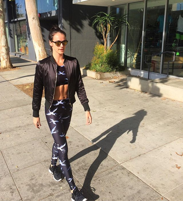 It's a beautiful day in the neighborhood! #mrrogers #bodybysimone #weho #humpday